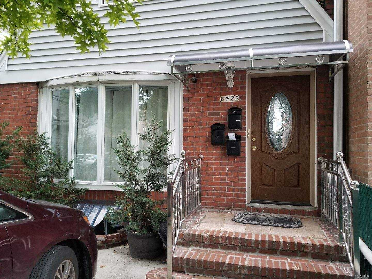 Beautiful Apartment Located In The Heart Of Queens. Specious Bed Rooms With Wooden Floor Throughout. Completely Remodeled Bathroom & Kitchen Floor. Fairly New Appliances In The Kitchen. Very Quiet Neighborhood. Minutes Away From E, F Train & Q 54 Bus.