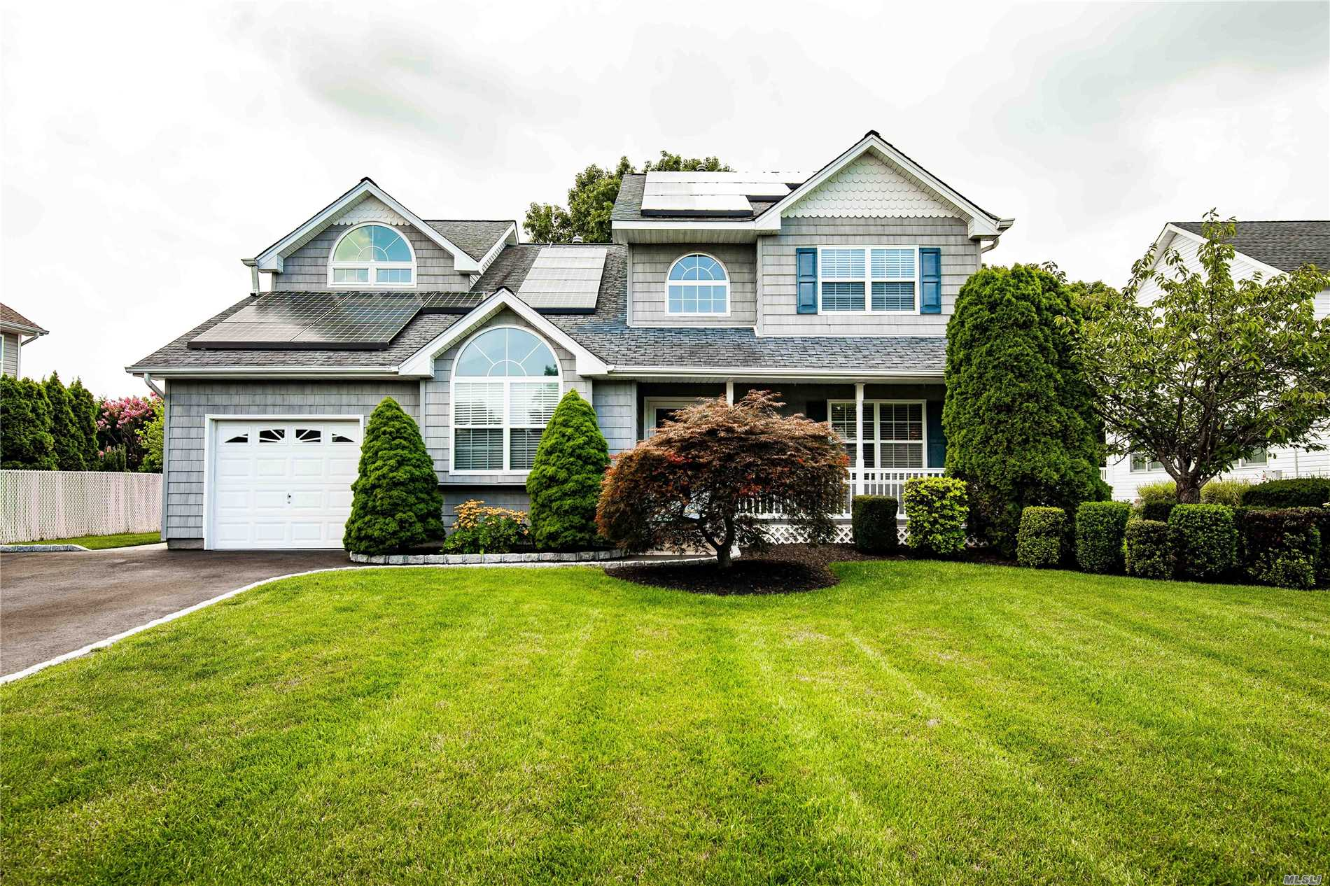 A Picture Perfect Location! Welcome To This Lovely 4 Bedroom, 2.5 Bath Home On A Quiet Cul-De-Sac In The Desirable Country Estates Neighborhood. Home Features A Spacious Kitchen, Hardwood Floors, Central-Air Conditioning, Solar Energy And Large Manicured Property. Commack School District