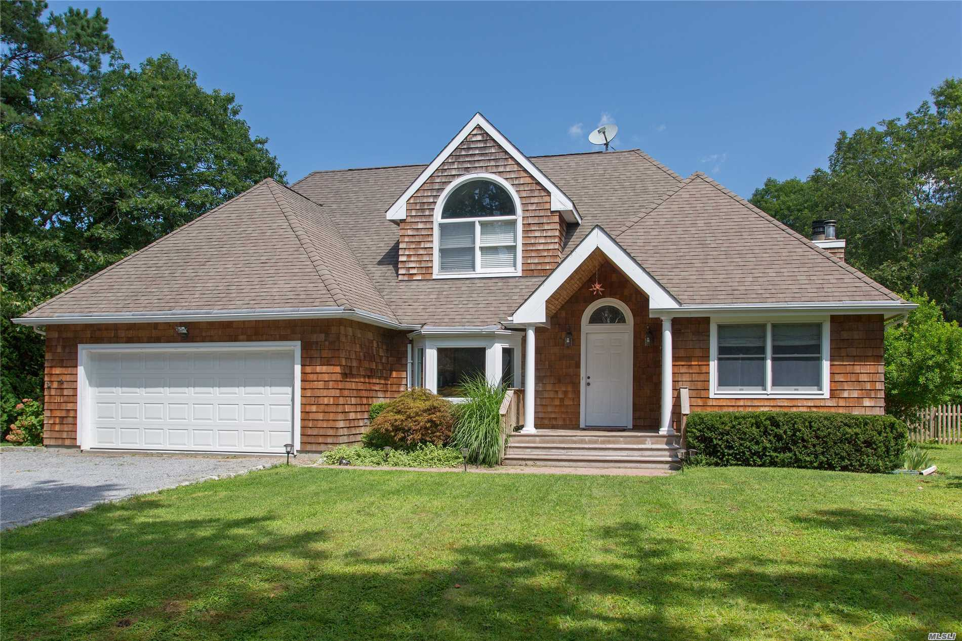 Great House, Private Cul De Sac, Open Floor Plan, Stainless Steel Appliances, 1st Floor Master, Pool, Professional Photos To Come. Please Pre. Approval Only.