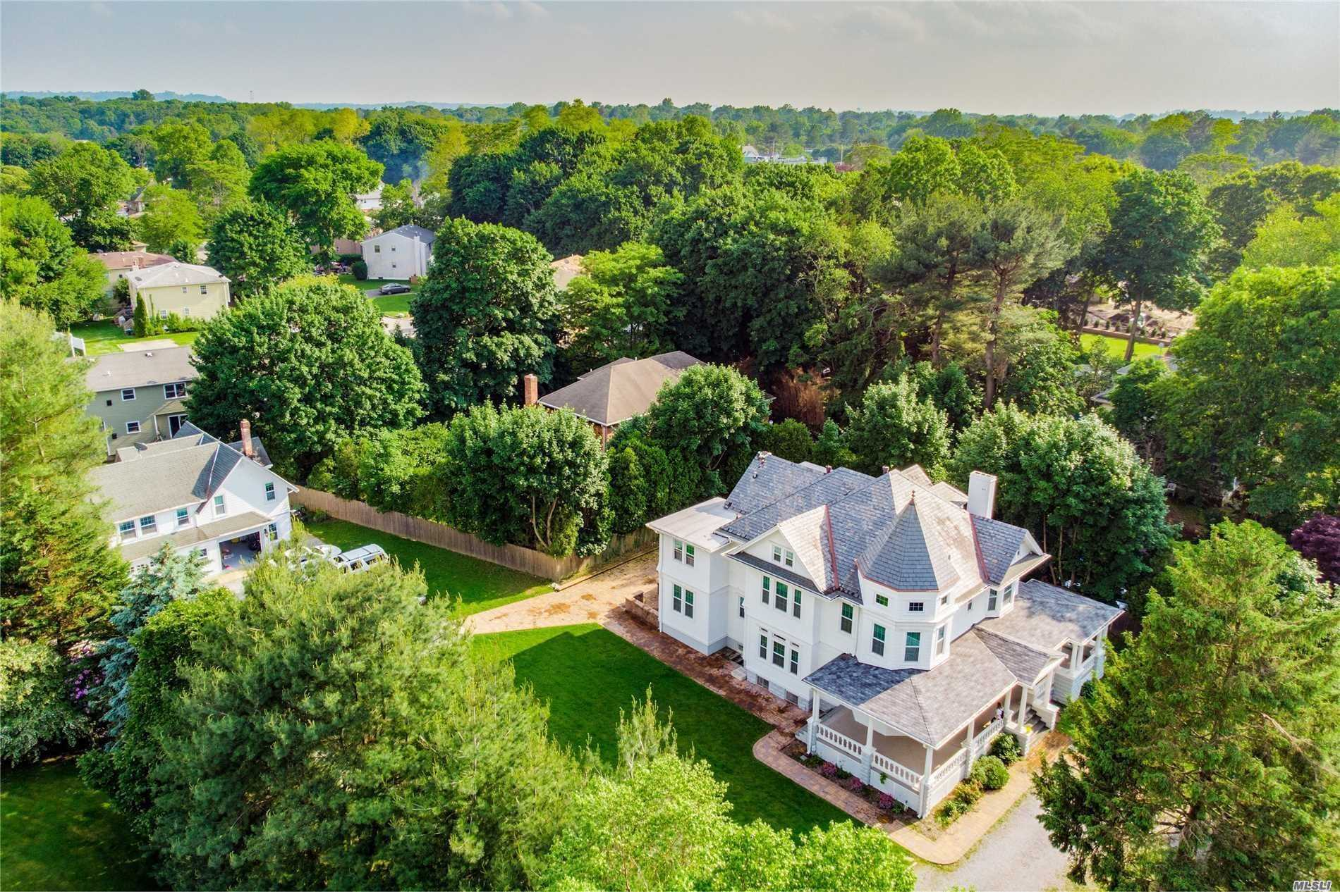 Excellent Condition 8 Bedrooms 6.5 Baths.Charming And Homey Victoria Sits On Half An Acre Of Property. The Home Has Undergone A Complete Custom Renovation Featuring Custom Floors, Millwork, Finishes, Windows, Slate Roof, Oversized Rooms, And Very High Ceilings Throughout. Separate Guest House With An Additional 3 Bedrooms And 2 Full Baths. Convenient Location Walking Distance To School And Transportation.