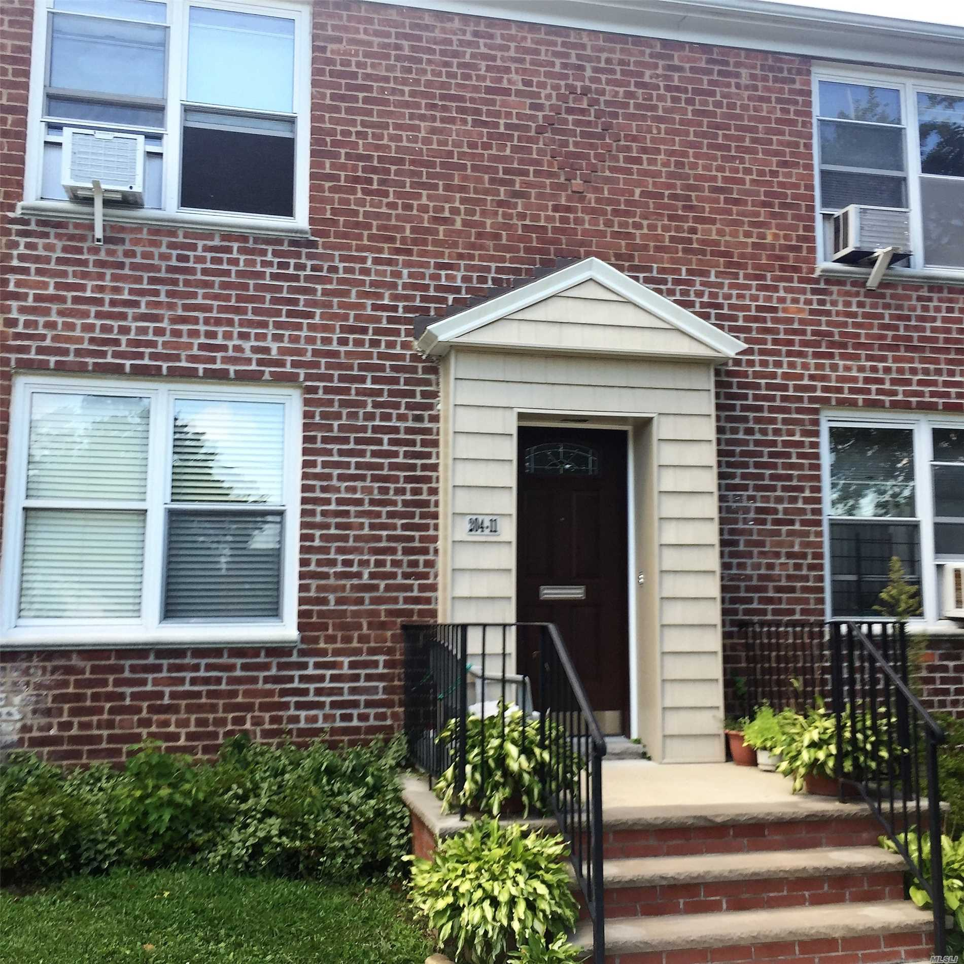 Baydale Tenant Corp. Spacious 1 Bedroom On Quiet Tree Lined Street. Close To Lirr, Bus, Shops, Hwys. First Floor. Easy Street Parking