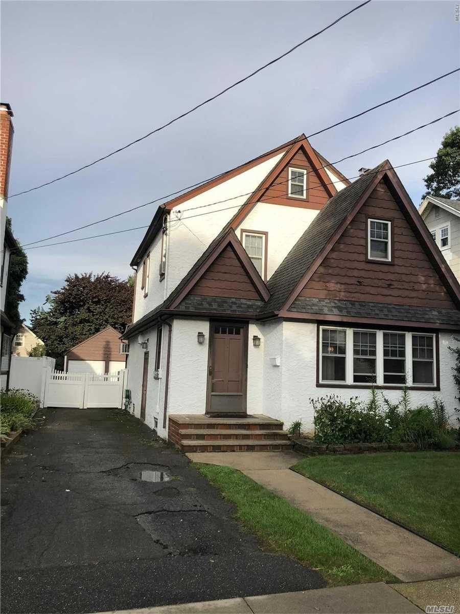 3 Bedroom, 1.5 Bathroom, Fireplace, Full Basement With Bar And Laundry Room, Eat In Kitchen, Full Driveway With Detached Garage