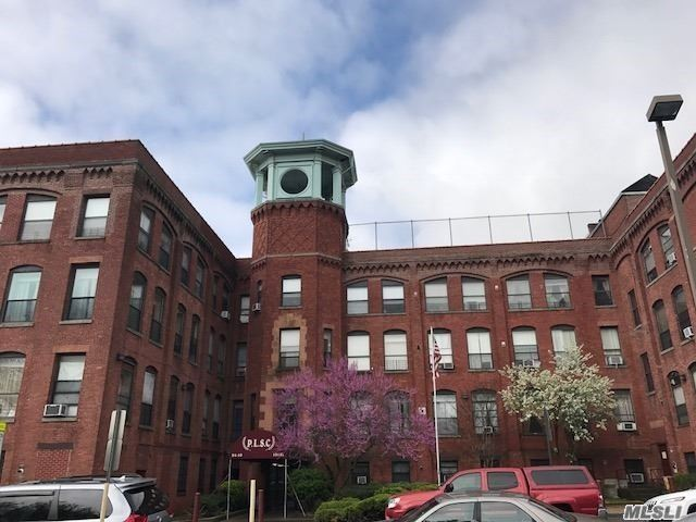 ***Make This Your New Home*** Old Pipe Factory Building Converted To Condos Pet Friendly Condo With Parking Located Across From Forest Park Featuring Hardwood Floors, Updated Kitchen & Bath.