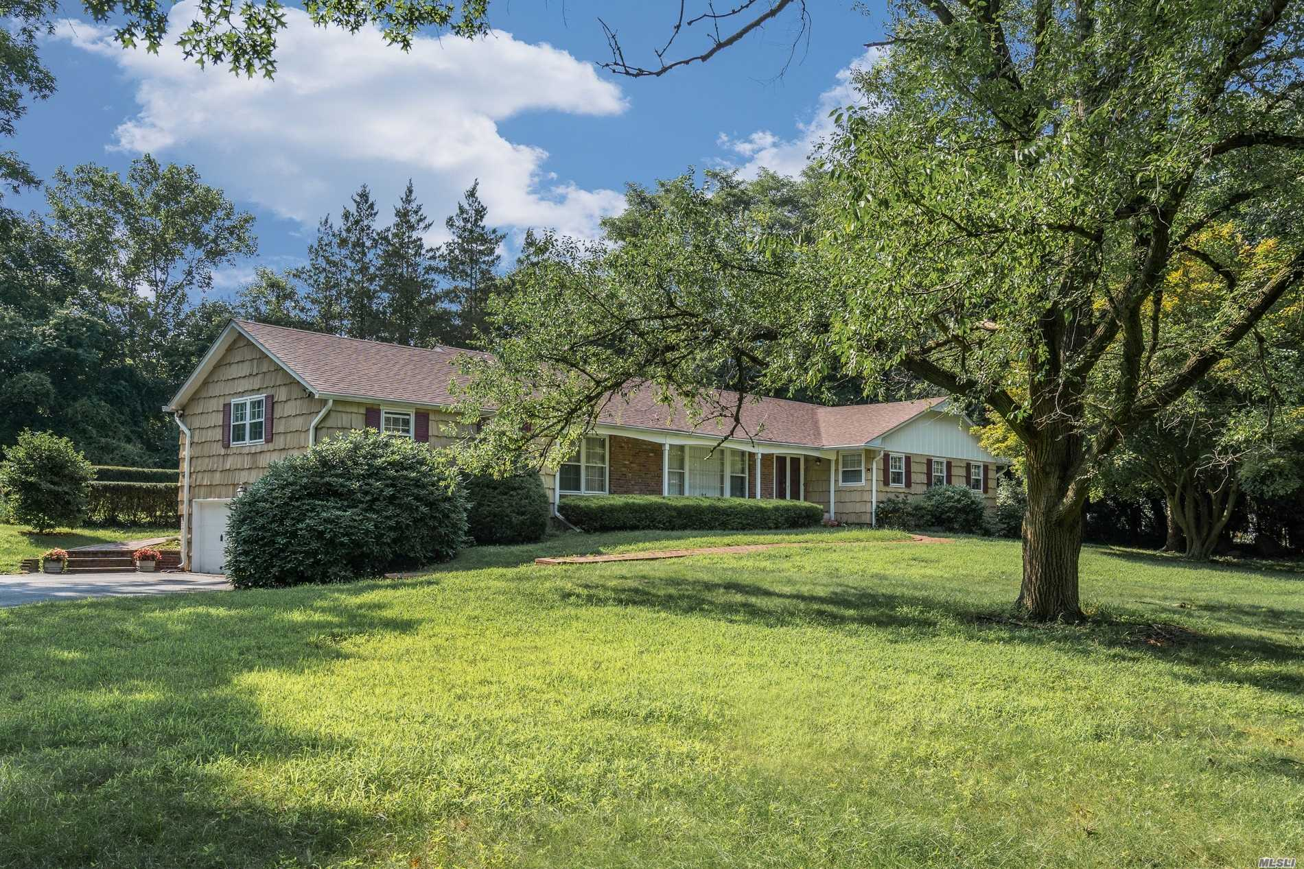 Huge Rooms Beautiful Expanded Ranch Perfect For Entertaining On 1 Acre In Fort Salonga, 4 Bedrooms, 2.5 Baths, Living Room, Formal Dining Room, Den W/Fireplace, Large Eik, Bonus Room And Screened In Porch. 2 Car Garage. New Roof, Full Basement. Close To Beaches, Golf And Shopping.