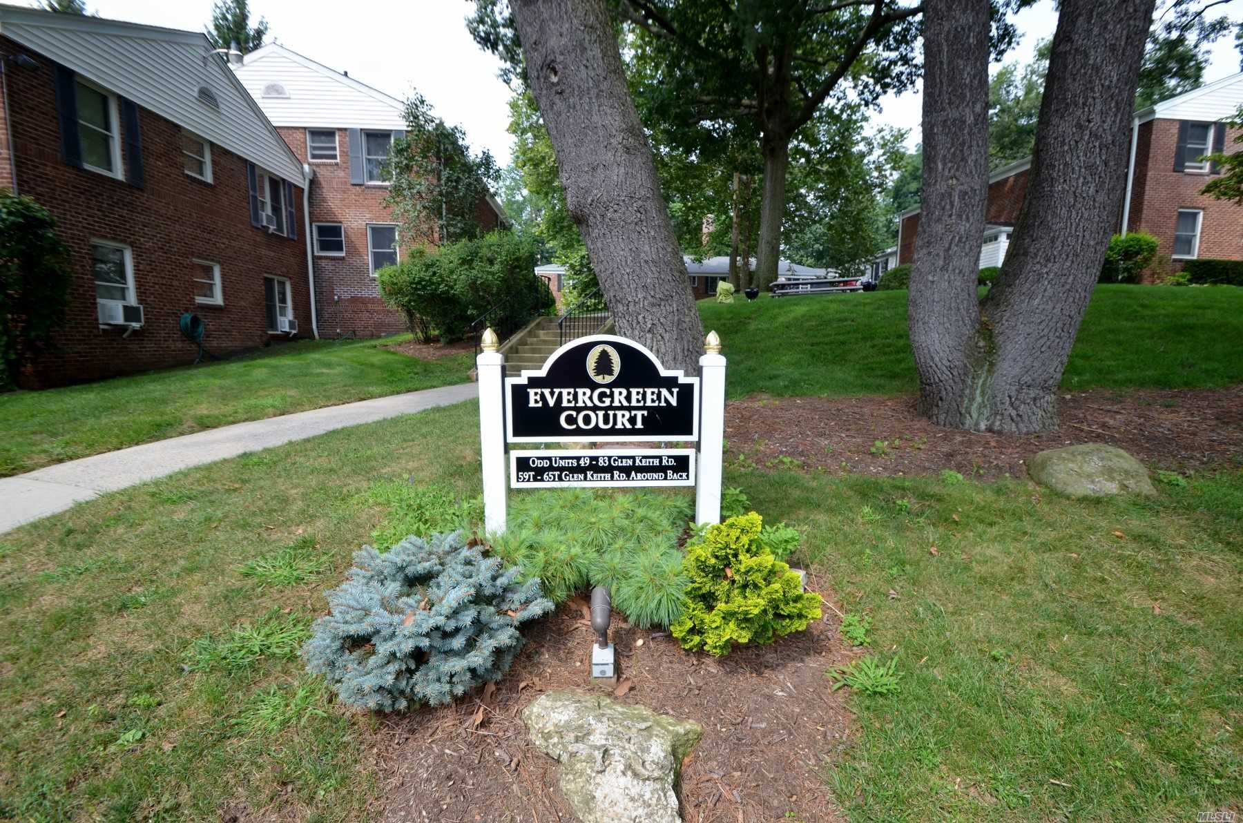 Beautifully Maintained 1 Bedroom On First Floor. Laundry Facilities, Fitness Center, Reserved Parking Space, Outdoor Bbq Area. Renovated Community Center W/Game Tables, Meeting Space & Kitchen. Playground. Onsite Property Management & Maintenance Staff, Dedicated Storage Unit.