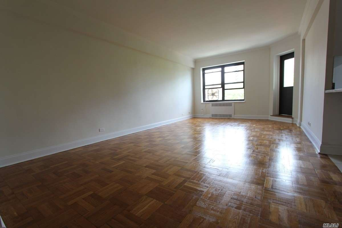 Extra Large One Bedroom Convertble 2, Fully Renovated Custom Kitchen And Bathroom, Large Private Balcony, Great Closet Space, Gym, Doorman, Laundry Room, Bicycle Room.