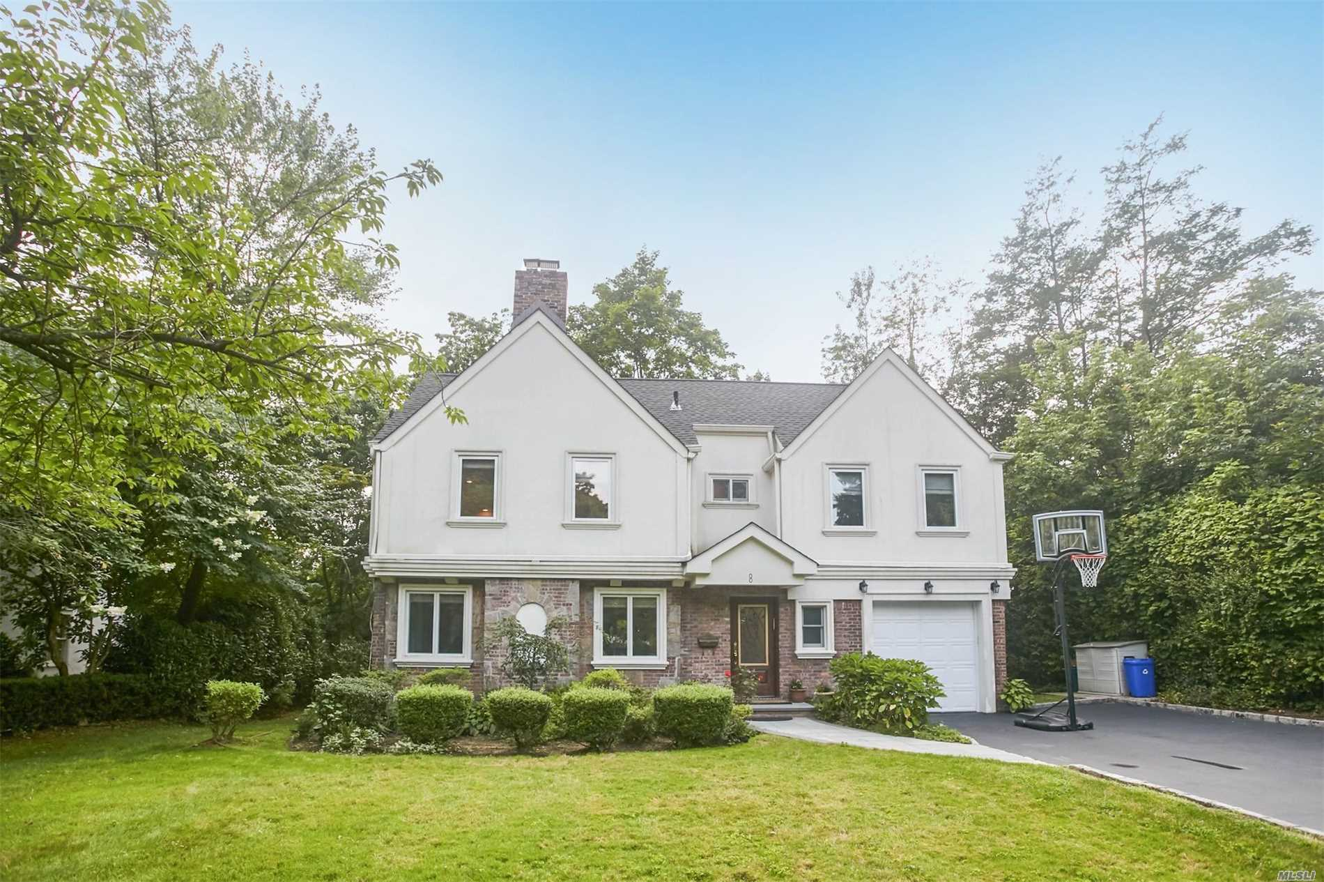 Desirable 4/5 Br Colonial On Beautiful Tree Line Street In The Prestigious Saddle Rock Estates. Fully Renovated 5 Yrs Ago Which Includes A New Roof, Plumbing & Electric. Sundrenched Open Floor Plan On The 1st Flr. Lrg Chef's Kitchen W/Granite Counter Tops And Ss Applncs. Master Suite Has Its Own Sitting Room & Bath W/Steam Shower In Addition To 3 Brs + A Full Bthrm On 2nd Floor. Close To Worship. Enjoy Gn Park District Amenities.