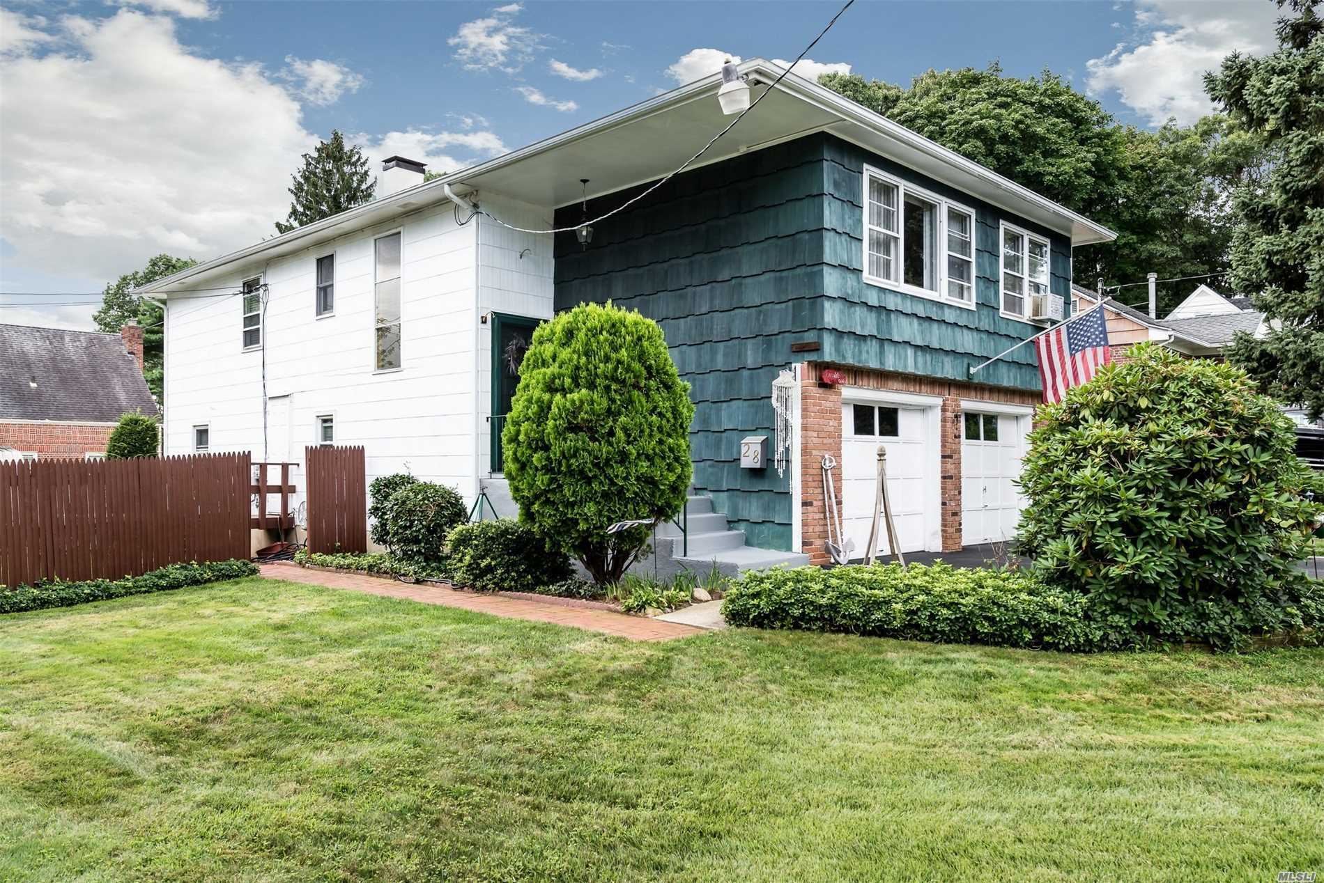 Wonderful, Sunny 4 Bedroom, 2 Bath Raised Ranch On A Corner Lot In Desirable Satinwood Rd. Move In Condition. Not In Flood Zone And Low Taxes. Bayville Beach And Tennis.