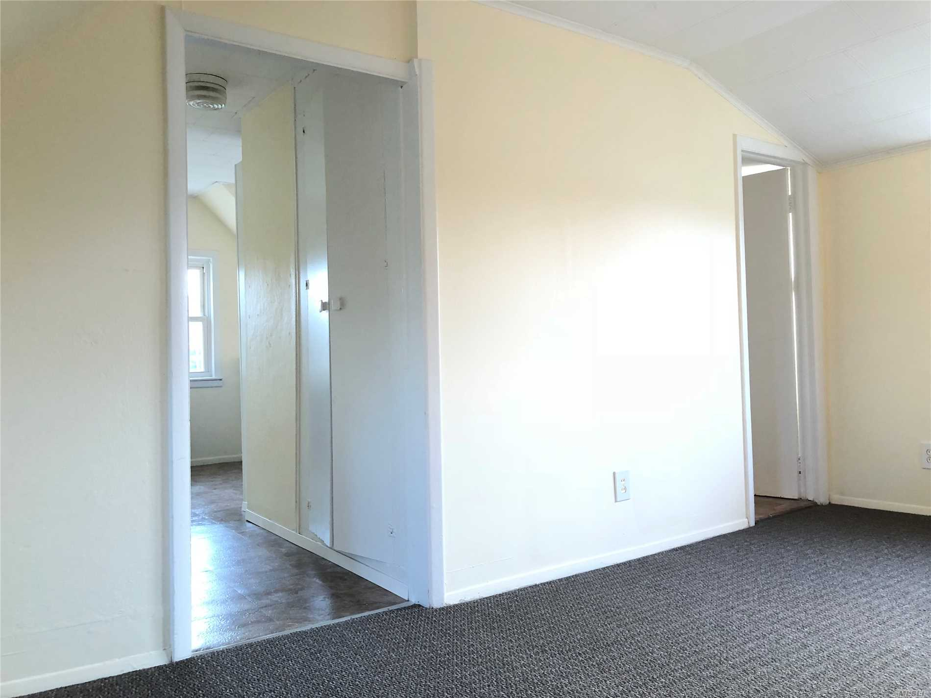 One Bedroom Apartment On 3rd Floor, Also Offers An Eat In Kitchen, Full Bath And Nice Size Living Room.
