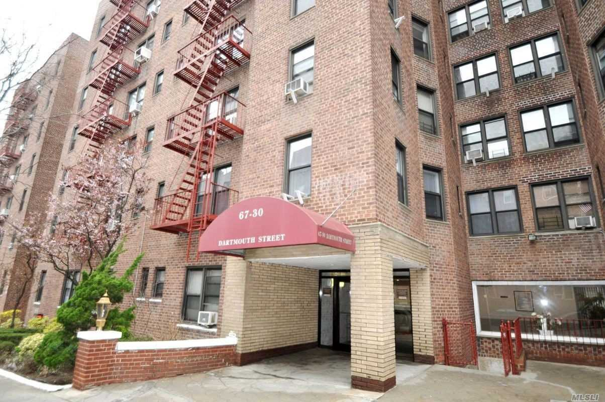 Lovely 2 Bedroom (Jr4)At The Nebraska Building, Maintenance Includes All Utilities , Short Walk To Austin Street And Continental Ave, Lirr , Supermarket, Pharmacy , Restaurants By The Corner Of Yellowstone. Express Bus To Manhattan , Zone For Ps174.