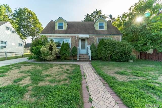 Bring Your Ideas And Design And See How You Can Transform This Place Into Just What You've Been Looking For. Home Features Full Basement, Wood Fence And Detached Garage On Approximately 1, 362 Square Feet Of Living Space. Don't Miss This One!