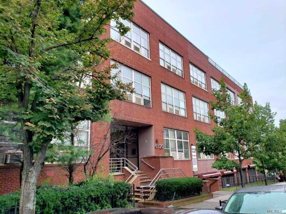 Renovated Huge One Bedroom W/ New Kitchen, Hardwood Floor, New Walk In Closet, High Ceiling, Bright-Southern Exposure And Spacious, Quite, Great Location- Near To Lie, Bqe, Queens Blvd, Across The Street From Lirr And Subway, Convenient To All, Location, Location, Location!!!