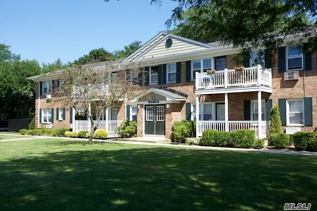 Lovely Garden Apartment Community Featuring Studio, 1 & 2 Bedroom Apartments As Well As Some Duplex Townhouse Styles. Some Apartments Include Terraces. On-Site Laundry. Senior Citizen Discount Available. Close To Shopping And Tanger Outlet Center. Minutes To The L.I.E. & Lirr.