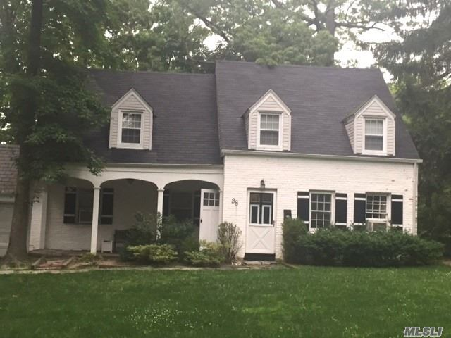 Located In A Peaceful And Quiet Neighborhood This 3 Br 1.5 Bth Colonial Offers A Kitchen, Formal Living Room & Dining Room. Partially Finished Bsmt. Near Allenwood Park & Worship. Easy Access To Northern Blvd & Major Highways. Close To Lirr