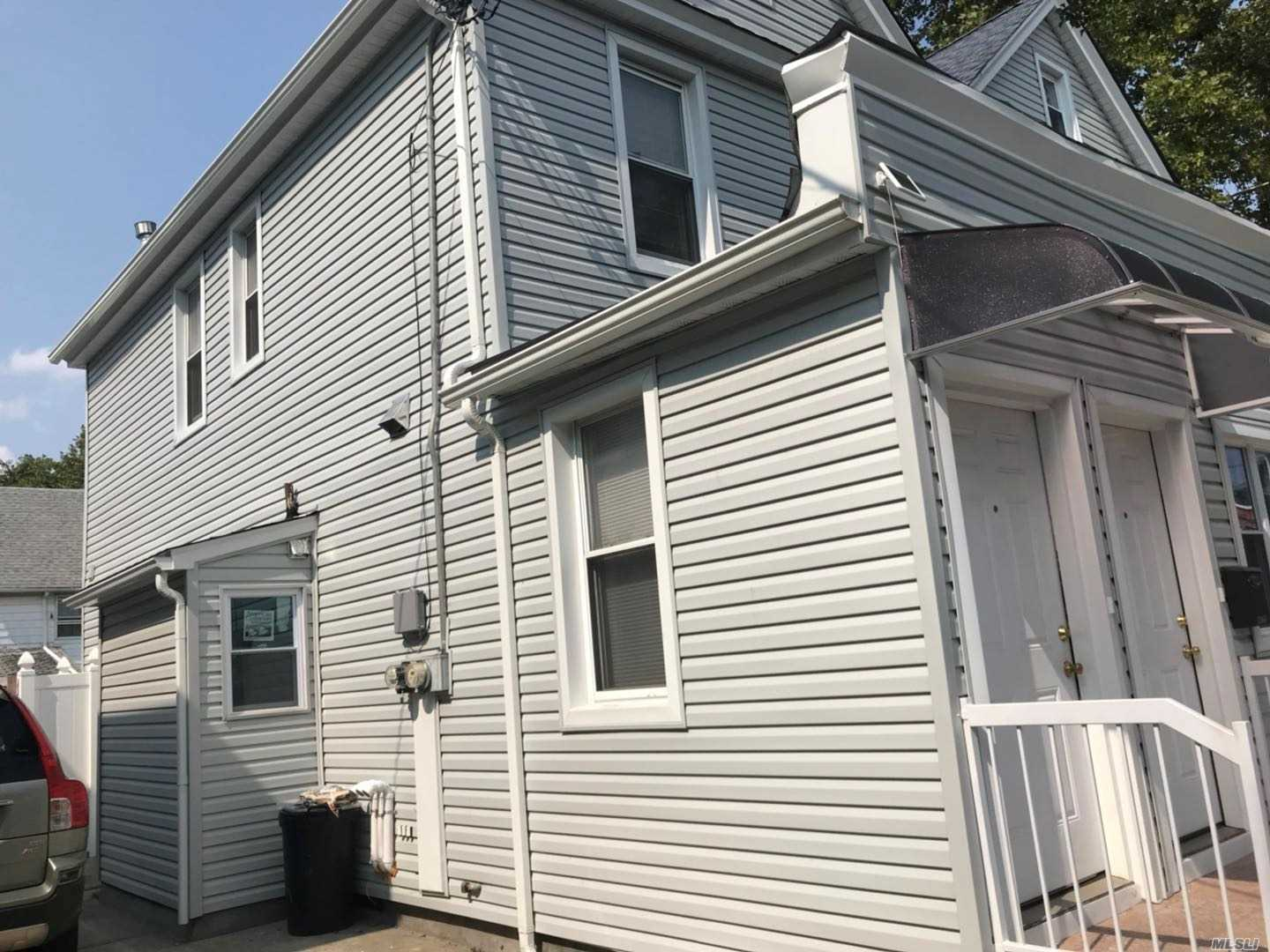 All New Renovated Apt House 1st Floor, Diamond Condition, New Appliances, New Floor, New Windows, 500Sqft Plus 450Sqft Attic, Plenty Of Storage Rooms. Easy Parking On The Street. No Pets And No Smoking, Credit And Income Check Required. Near By 295 Clearview Expwy. Q27 To Main St.