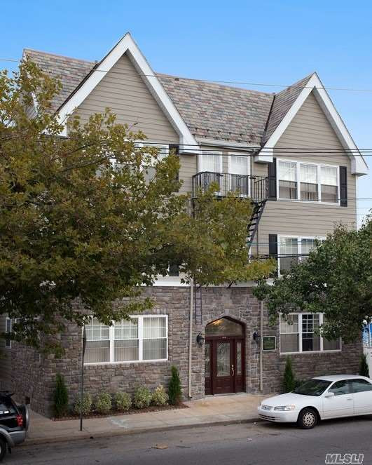 Great 1 & 2 Bedrooms W/ Heat, Hot Water & Gas Cooking Included. Brand New Renovations Including Tuscany-Style Kitchen Cabinetry W/ Ceramic Tile Flooring & Stainless Steel Appliances Including Dishwasher & Microwave. Ceramic Tile Bath W/ Tuscany Style Vanities. Air-Conditioned. Close To Lirr.