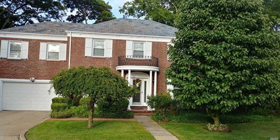 Gorgeous, Stately 2 Story Colonial, Kitchen Has Granite Countertops And Ss Appliances. Master Br W/ On-Suite Bath, Walk-In Closets In 3 Bedrooms. Huge Fenced In Yard, Great For Entertaining, Too Many Extras To List. Move Right In.