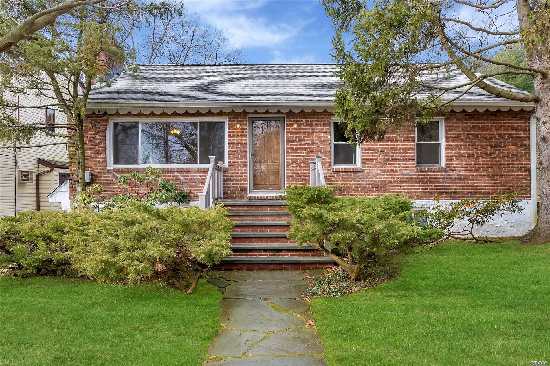 Newly Renovated Even Electric,  Plumbing . New Open Concept Eat In Kitchen,  New Baths, Marble Fire Place From Rhode Island. Hardwood Floors, High End Appliances, Washer And Dryer In Each Floor. Near Park( Beach, Boat Basin, Tennis Ct. Swimming Pool, Roller Blade Pl. Picnic Area).