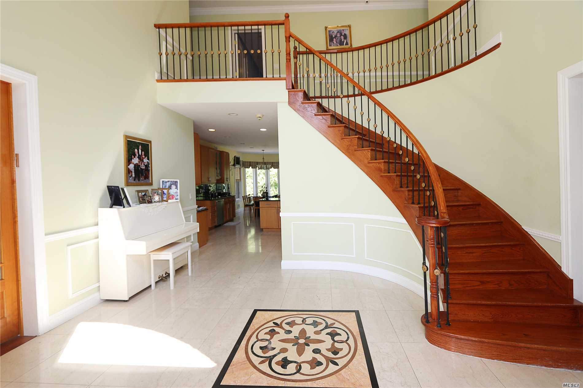 Better Than New!!! Magnificent 4, 750 Sq Ft All Brick C/H Colonial Home On Shy Of Half Acre Lot Size In The Heart Of Great Neck!! Grand Entry, Lg Lr, Fdr, Den, Huge Chef Granite Eik. Guest Bdrm W/Full Bath, Powder Rm. 2 Car Garage On Main Floor. Master Suite Includes Spa Bath, Walk-In Closets & Small Office. Add 3 Lge Family Bdrms, And 3 Full Baths Plus Laundry On 2nd Floor. Finished Basement, Gas/Heat, Cac, Central Vac, Alarm, And Much More. Walk To Parks And Worship.