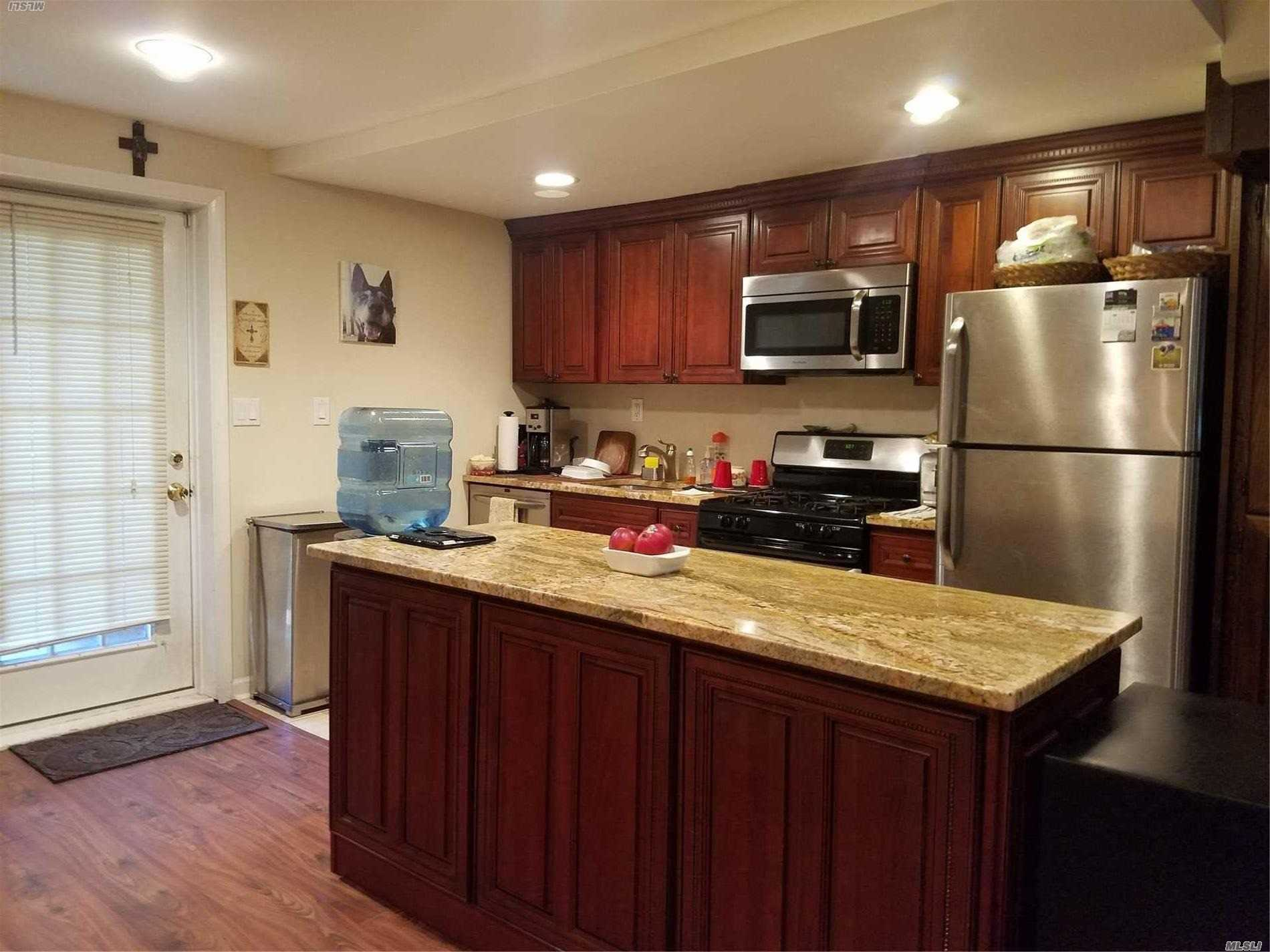 Spacious 2 Bed/2 Bath Cottage W Private Gated Courtyard & Entry. 1st Fl: Kitchen, Dining & Living Rooms With Lam Floors. 2nd Fl: Big Master Br & Sm 2nd Br, 2 Full Baths. Tenant Resp For Cooking Gas, Electric, And 1st Fl Heat/Ac. Landlord Resp For 2nd Fl Heat. Lots Of Closets. No W/D. 2 Cars Parking Overnight. Tenant Must Have Excellent Credit 700+ And Excellent Verifiable Income. References A Must. One Cat With Landlord's Ok Plus $100 Pet Cleaning Fee No Dogs!