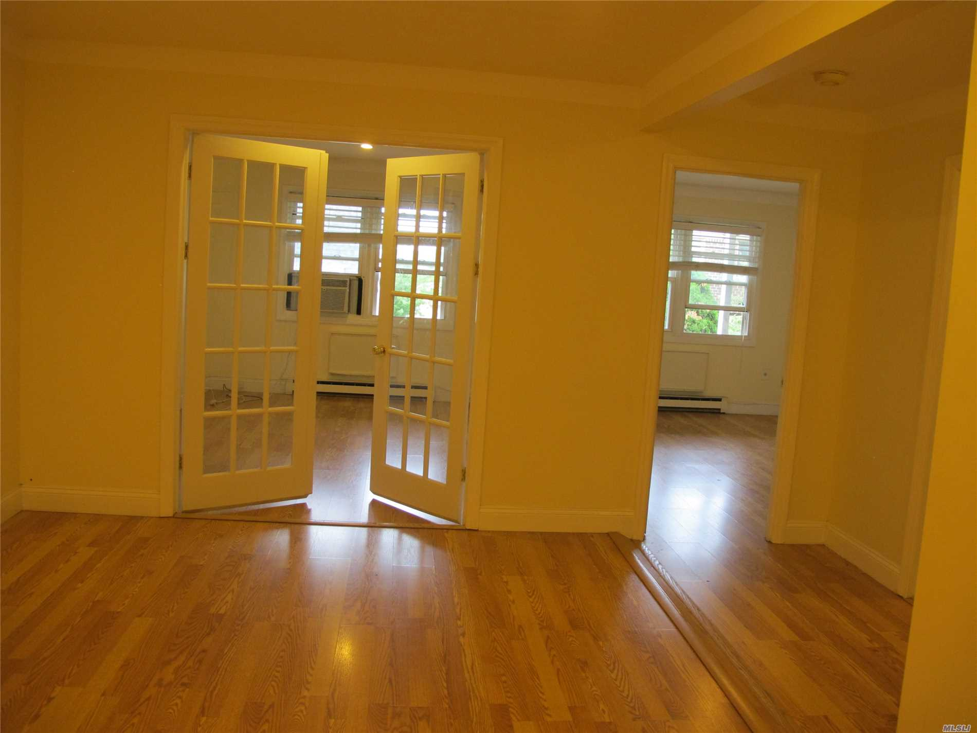 Cozy And Very Clean 1 Br Plus Bonus Den. Move In Condition.Easy Access To Q13 To Lirr. Q28 To Flushing And Qm2, Qm20 To Manhattan. By Bay Terrace Shopping Center And By Fort Tottem Park. All Distance From The Property.