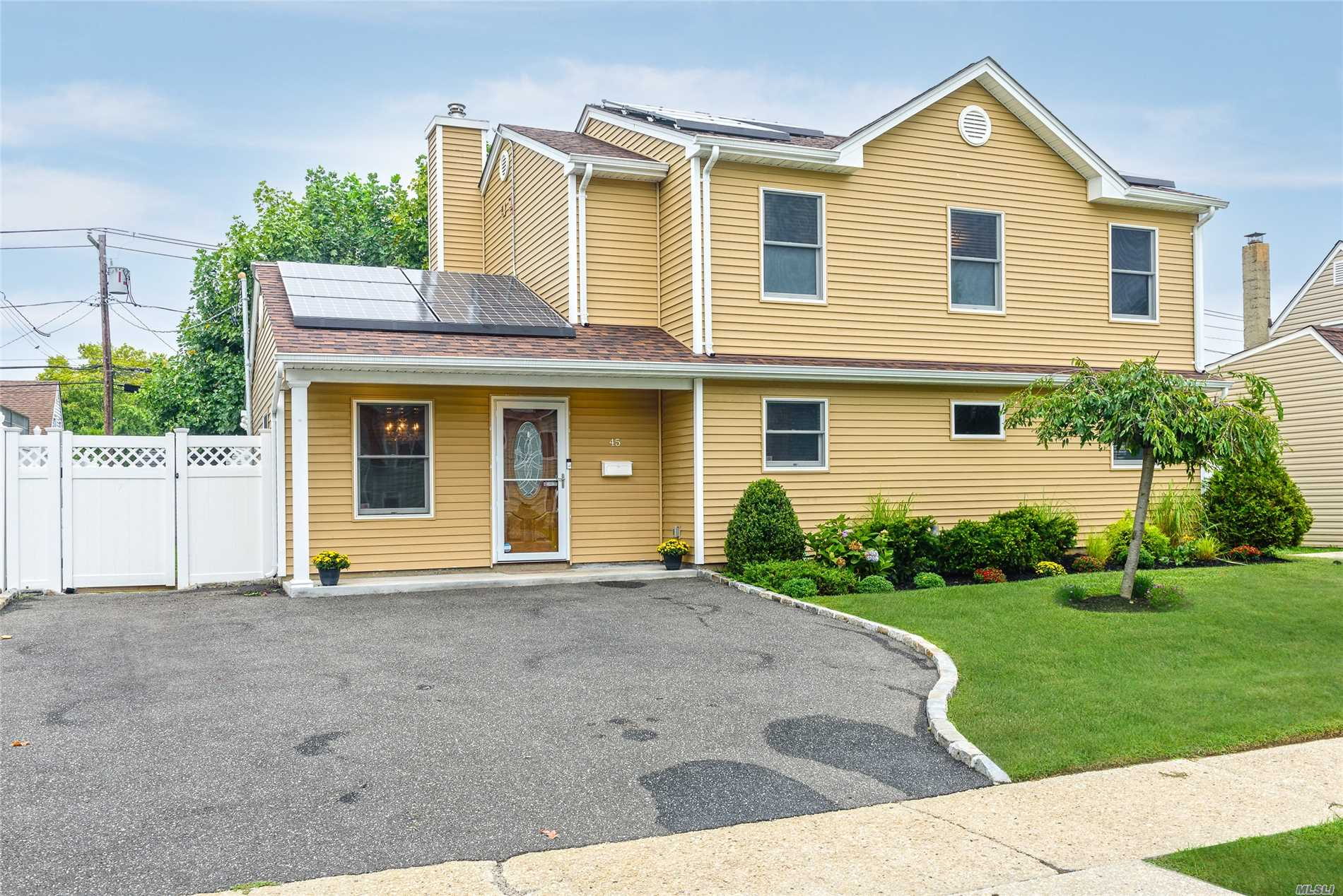 Colonial Completely Renovated '14. Features Gourmet Kit W/Granite, Ee Stainless Apps, C/T Flrs, Frml Dining Rm, Lr W/Sliders To Patio, Den, Office, Master En Suite W/Wic & Bath, 2 Addt'l Bdrms, Laundry & Bath On 2nd Flr, Solar Panels (Leased), Full Attic, Shed, Led Lighting,  Alarm-Ready. 2014: Roof, Vinyl Siding, Cac, Buderus Boiler, Hw Heater, 200 Amps, Ag Oil Tank, Kit & Apps, 3 Baths, Walk-In Pantry/Boiler Rm, Pvc Fenced Yard & $4K Jungle Gym! 19% Tax Reduction 18/19 & 6% Reduction In 19/20.