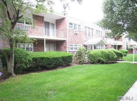 Large 1st Floor Unit, Living Room, Dining Room, Large Bedroom, Full Bath, Wood Floors Thru Out, Laundry & Storage Area In This Building. Close To Railroad & Farmingdale Village Restaurants. Don't Miss This One!