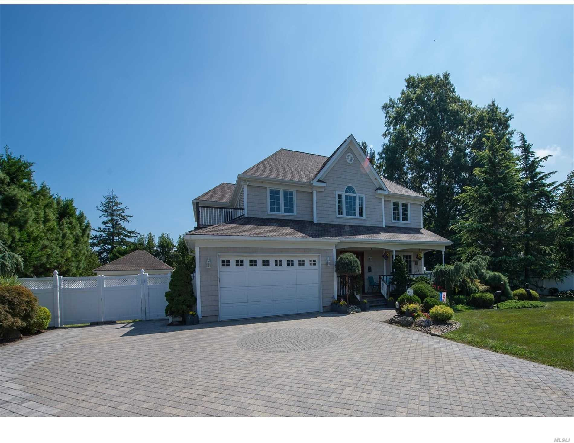 Custom Built In 2005, This Majestic Center Hall Colonial Is The Builders Own Home. Spacious Rooms Throughout & Loaded W/Amenities, This Home Will Satisfy The Most Demanding Consumer