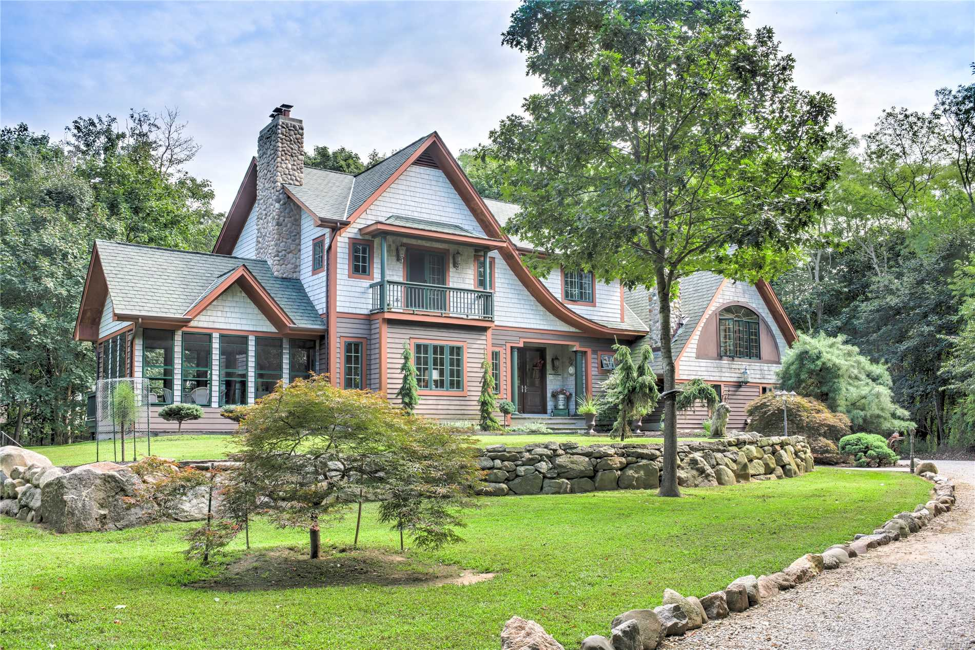 Southold, North Fork Waterfront Farm Estate: The Hive - Recent Top-Tier Construction Is Apparant In This Spectacular Home Featuring Dream Kitchen W/48 Wolf Range, Butlers Pantry, Spacious Living Room W/Fp, Dr, Large Den/Gather Room, Plus 3 En Suite Bedrooms And Separate Wing W/2 Br's And Bath. Large Horse Barn And Paddocks - Rented; 350' On Arshomomaque To Raise Oysters Or Kyack/Boat...4+ Car Garage.  Close To All Beaches, Top Restaurants And Quiet, Elegant Living. Subdivideable W Town Appr