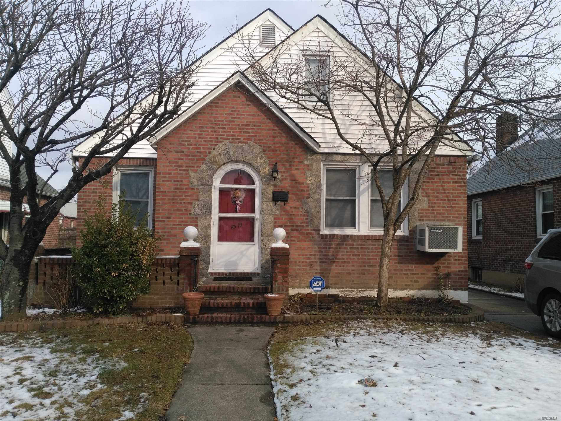 Close To Hillside Ave, 4 Bedroom, 2 Bath, Private House, Private Driveway, Close To Transportation