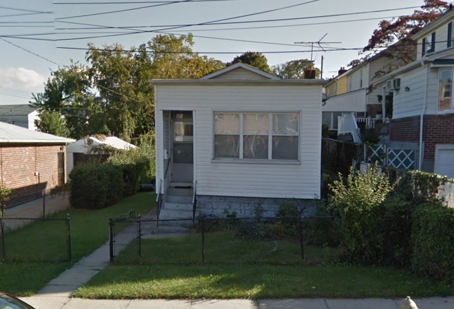 Charming One Bedroom Whole House Rental In Whitestone. One Full Bath, Eat In Kitchen And Living Room. Hardwood And Tile Flooring With Full Finished Basement And Backyard. Close To Transportation And Shops, A Must See!