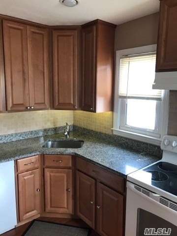 Beautiful Updated 2 Bedroom Apartment Offer Kitchen With Granite Counters, Wood Floors And A Dishwasher, Nice Size Living Room, Full Bath With Granite Counter And Fully Carpeted. Includes All!!