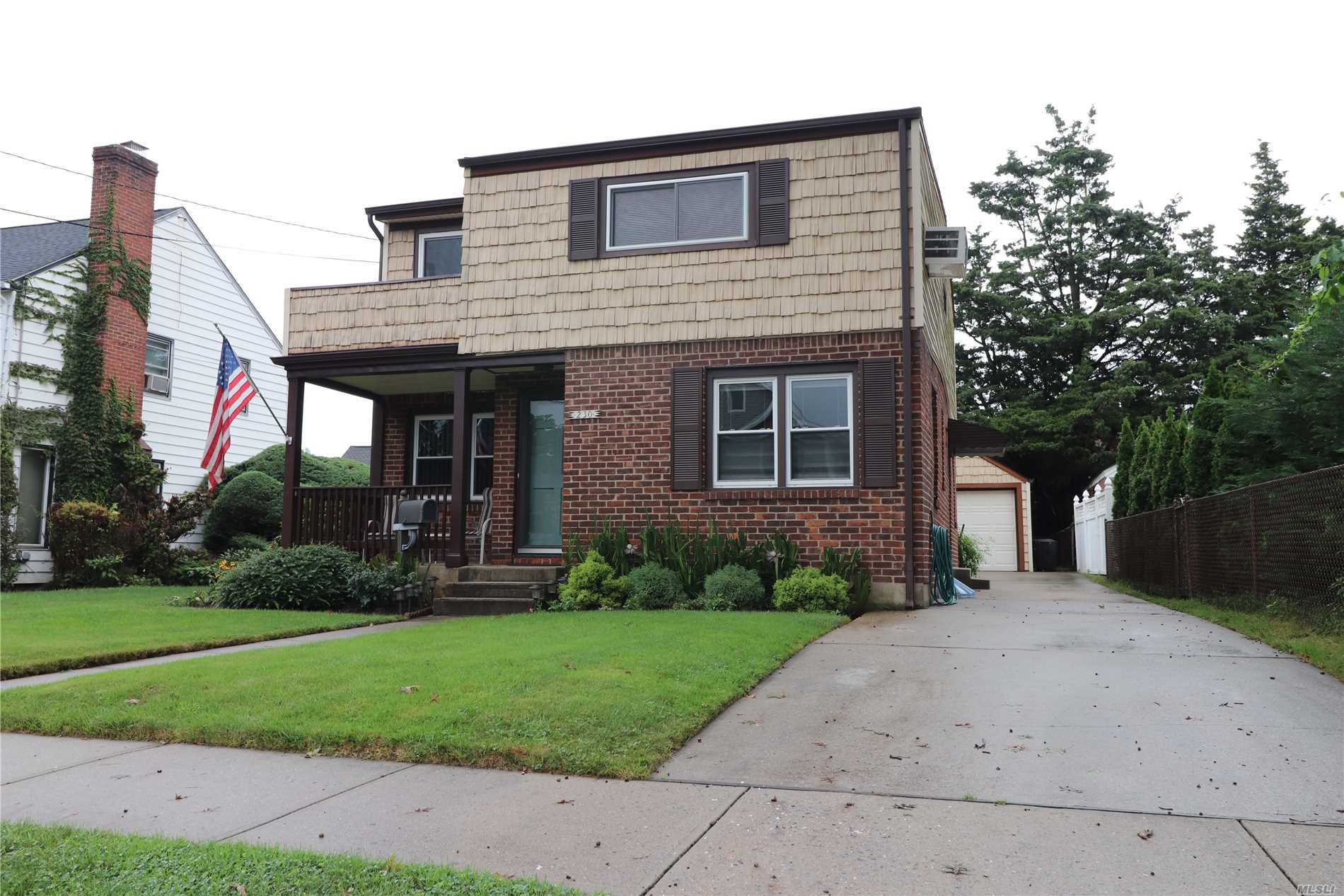 Incredibly Updated & Large Home In Mineola Close To All! Conv. To Hwy's & Pub Trans! Home Boasts Meticulous Updates & Finishes W/ 4 Large Bedrooms, 2 Full Baths, Gorgeous Kitchen W/Gas Cooking, Formal Dining Room, Lrg Living Room, Fin Basement W/Work Area, Lower Level Laundry W/Add'l 2nd Floor Laundry Area For A Later Date, 2nd Flr Den Or Add'l Bedroom Space & More!*1.5 Car Det Garage W/Pvt Driveway Parking For 5+ Vehicles*Mother-Daughter If W/Proper Permits*Great Outdoor Entertaining Space