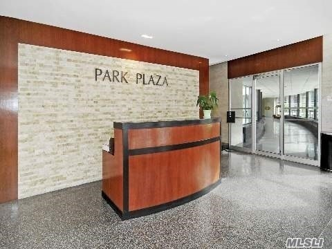 Larg Studio At Prestige 'Park Plaza The Luxury 24 Drmn Bldg With Balcony Spt Kitchen With Windo And Foyer/ Dining Area. Oak Floor & Ceramics Kitche Floor. Spt Dressing Area And Full Bath. Great Location Infront Of Rego Center Mall And Costco With Public Parking Avaialable. 2Blck To R & M Subway And 1Blk Express Bus To Manhattan.Hurry Up...Rare To Find.