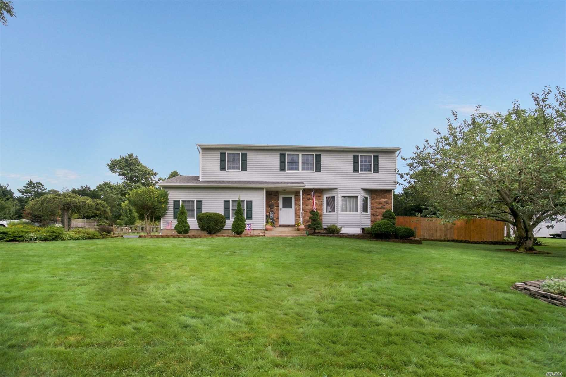 Incredibly Maintained And Pristine Side Hall Colonial Sited On A Beautifully Manicured 1/2 Acre. Meticulous Updates Abound In This 4Br, 2.5Ba Home On A Super Som Cul-De-Sac. New Roof, Siding, Windows, Electric, 4 Zone Gas Heating, Tankless Water Heater, Cac And Appliances, As Well As New Quartz Countertops & Glass B/S. H/W Floors Throughout The House And Radiant Heat In The Family Room That Features A Pretty Brick Fireplace. Two Tier Decking Across The Back House + Plenty Of Room For A Pool!