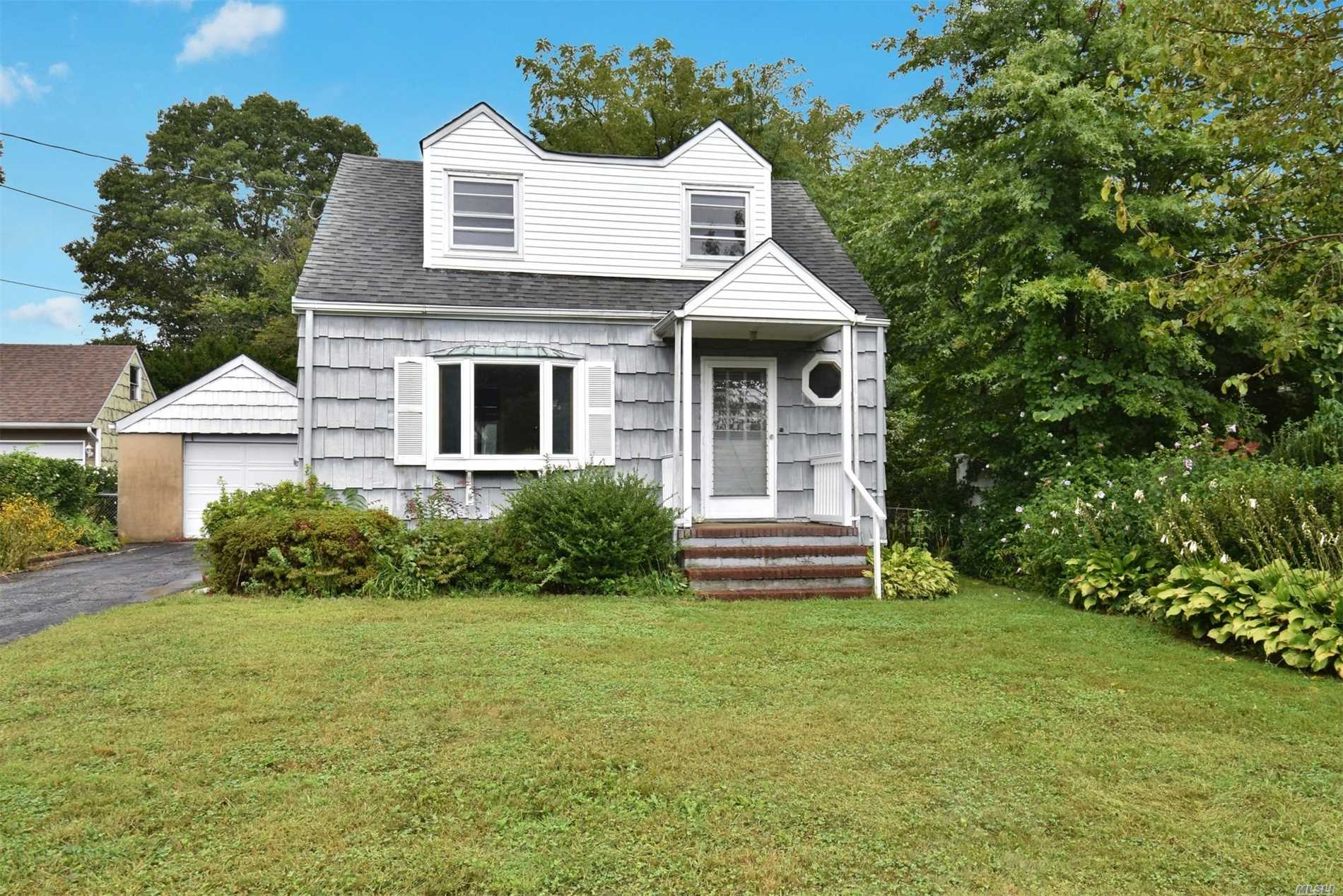Charming Colonial Awaiting Your Touches! Well Maintained Older Colonial On Lovely .21 Acre With Mid-Block Location. Easy Access To Shopping And Transportation. Don't Miss!