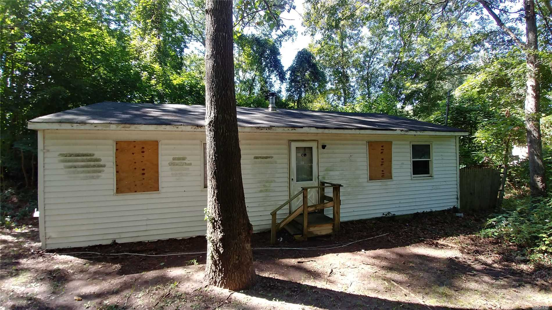 Flanders Rehab Project! Cash Offers Only! As-Is Condition, No Representations Made, Buyer Pays Transfer Tax.  Needs Work  Cash Deals Only   Low !! Taxes