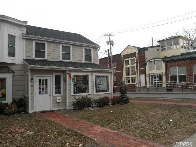 Attractive 2nd Floor Apartment In Recently Renovated/Rebuilt Historic Building. Do Not Miss!