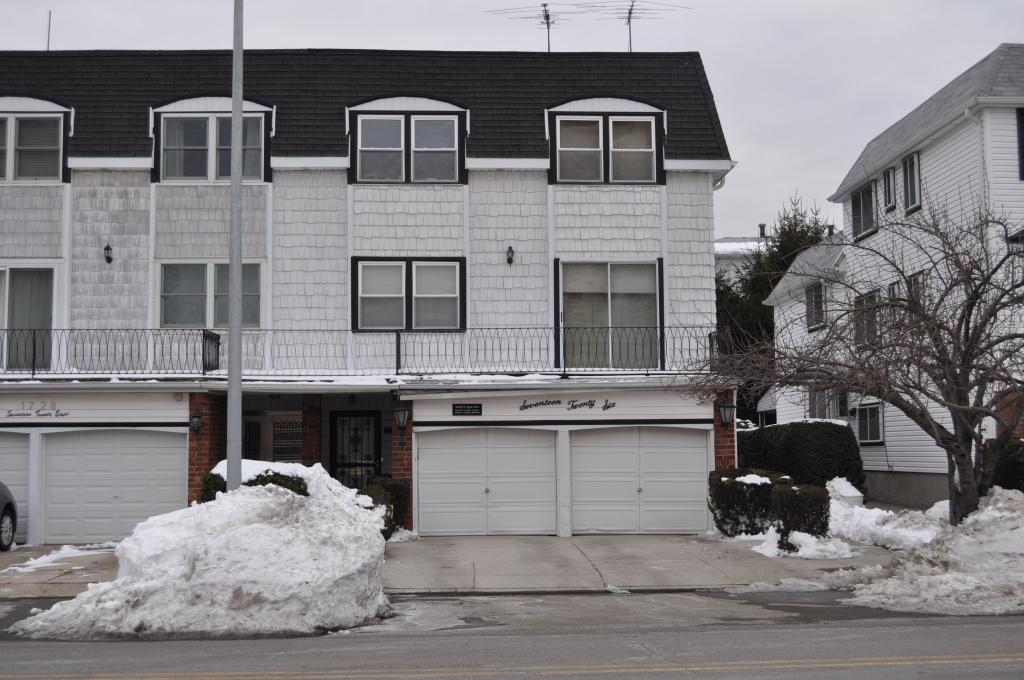 Beautiful Triplex For Rent In Bayside. Featuring Living Room, Dining Room, Kitchen, 4 Bedrooms, 3 Baths, And Finished Basement. Hardwood Flooring Throughout. Dishwasher, Washer & Dryer, Central A.C, Fireplace, 4 Car Garage Included. A Must See!!