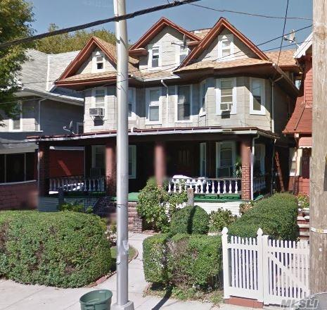 Lovely 1 Br Apartment For Rent In Richmond Hill Features Living Room, Dining Room, Eat-In-Kitchen And 1 Full Bath. Carpet Flooring. Heat And Water Included. Ample Street Parking. Minutes From J Train & Bus Services.