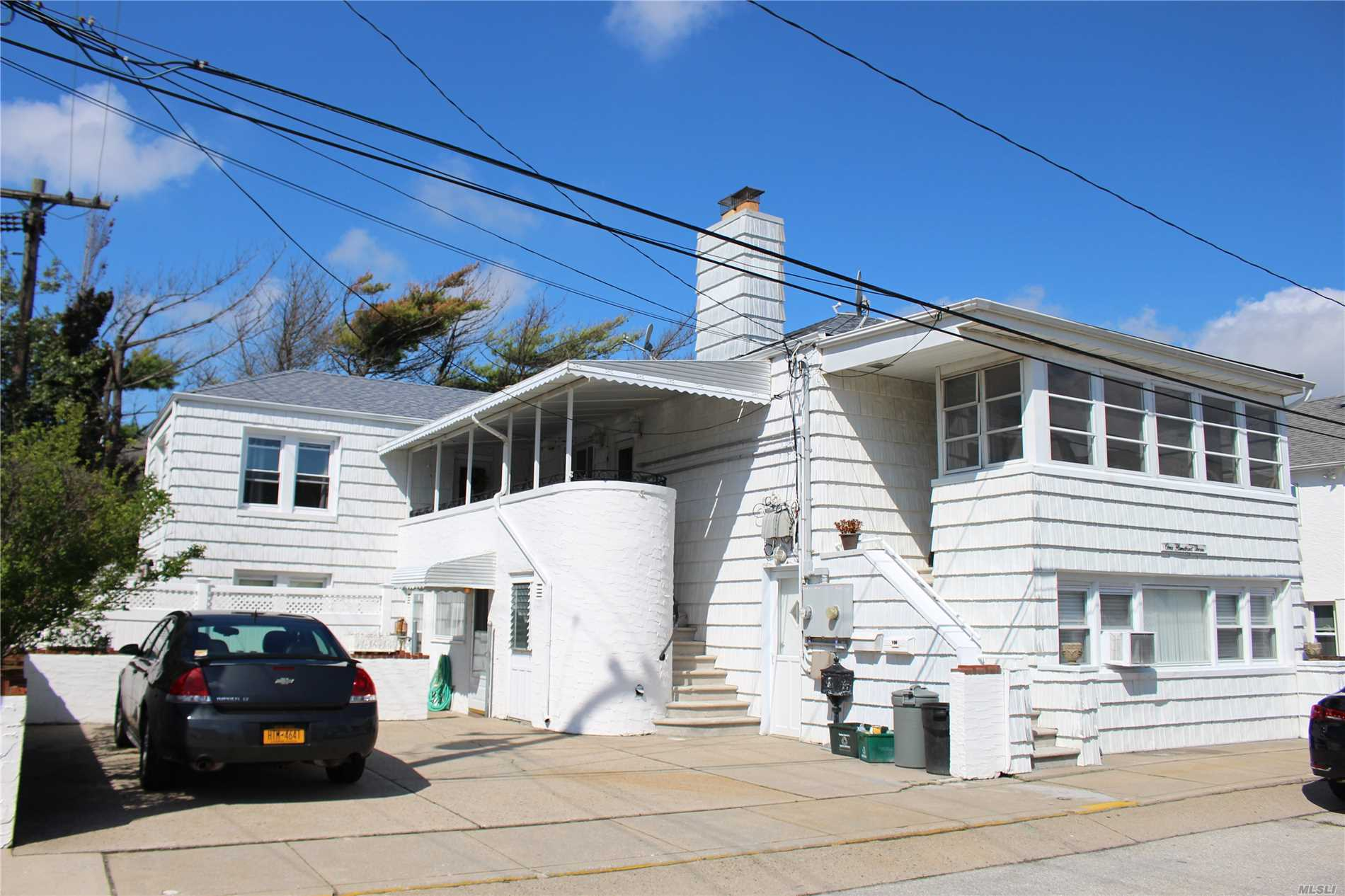 East Atlantic Beach. Spacious Upper 3 Bedroom 1.5 Bath. Offering Updated Features, New Carpets, Sun-Room, Walk-In Closets, Large Front Terrace, Washer Dryer, Shared Use Of Yard. 2 Parking Spaces, Private Beach Rights.