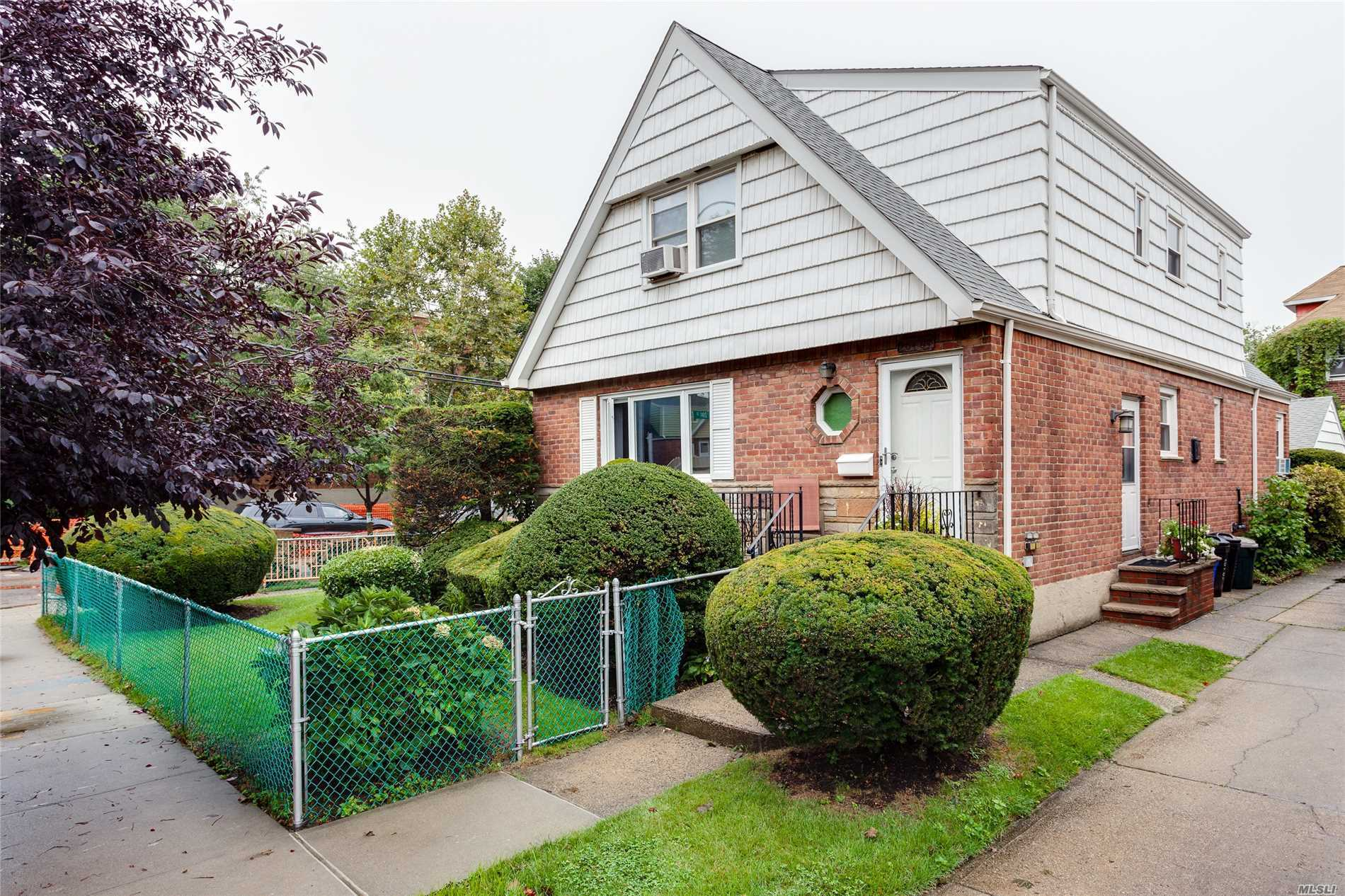 A Beautiful Detached, Corner, South Facing Legal 2 Family House, In School District 26. R3X Zoning, 42X100 Lot Size, 2 Family Units, Separate Gas And Electrical Meters For Each Unit. Steel Beam, Detached 2 Car Garage. Near Northern Blvd, Q12, Q13 To Flushing, Close To All Highways, Walking Distance To Lirr Station. Easy To Rent