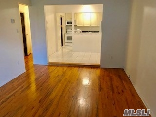 Mint 1 Bedroom Apt. On A 1st Floor.  Hard Wood Floors. Lr.Dr. Full Bath. Kitchen. Washer & Dyer.