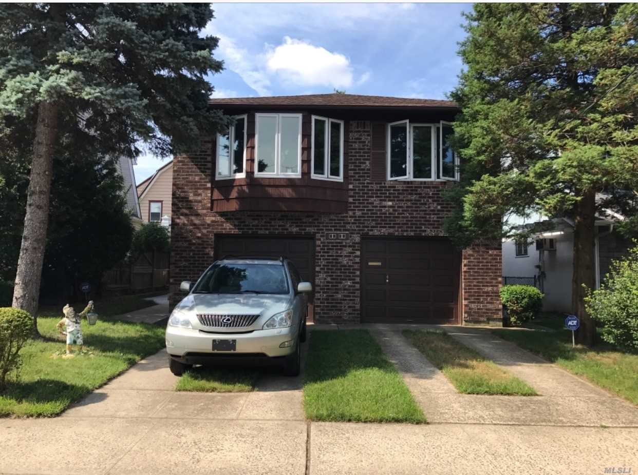Beautiful 2 Stories Brick House. All New Appliances. Hardwood Floor. Convenient To All. Two Blocks To Lirr Station. 25 Mins To Penn Station. 2 Bus Line To Flushing 7 Train. School P.S. 94 & Jh 67.