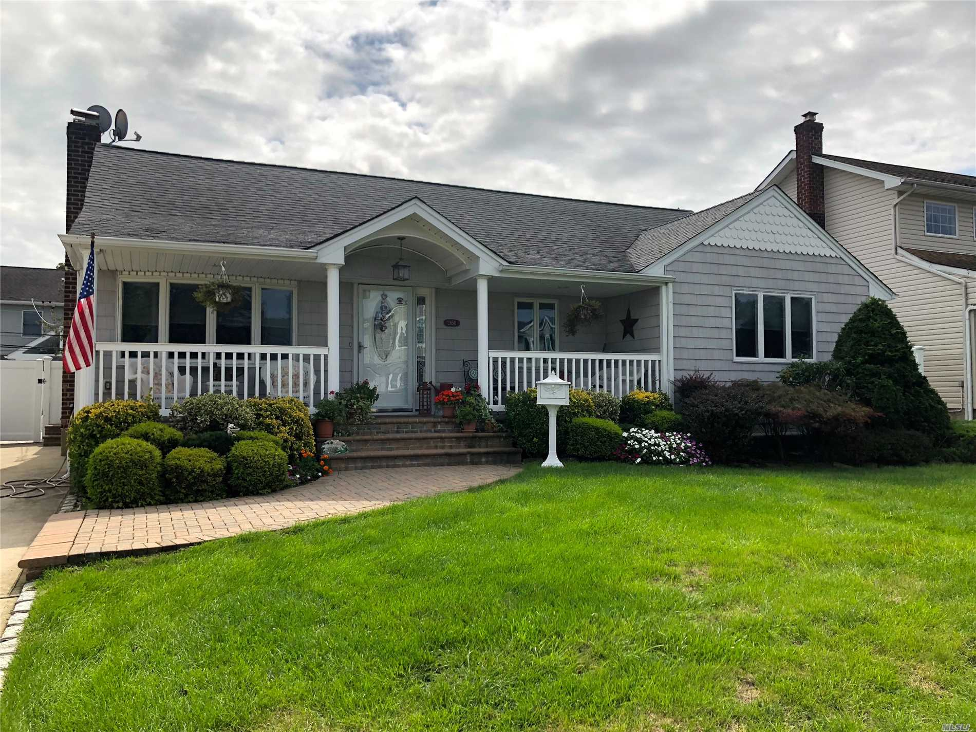 Remarkable 3 Bedrm, 2 Full Bath Ranch In The Desirable Forrest City Section Of Wantagh. New Eat In Kitchen W/Granite & S/S Appliances, Formal Dining Rm, Family Rm Extension W/Sliders To Brick Patio & Heated In-Ground Pool. Newer Roof, Windows, Siding, Updated Baths. Full Finished Basement W/ Den, Office, Laundry, Storage W/Cedar Closet. Hardwd Flrs Thru Out, Oil/Ha Heating (Gas In Home), Cac. Dont Miss This Beauty!