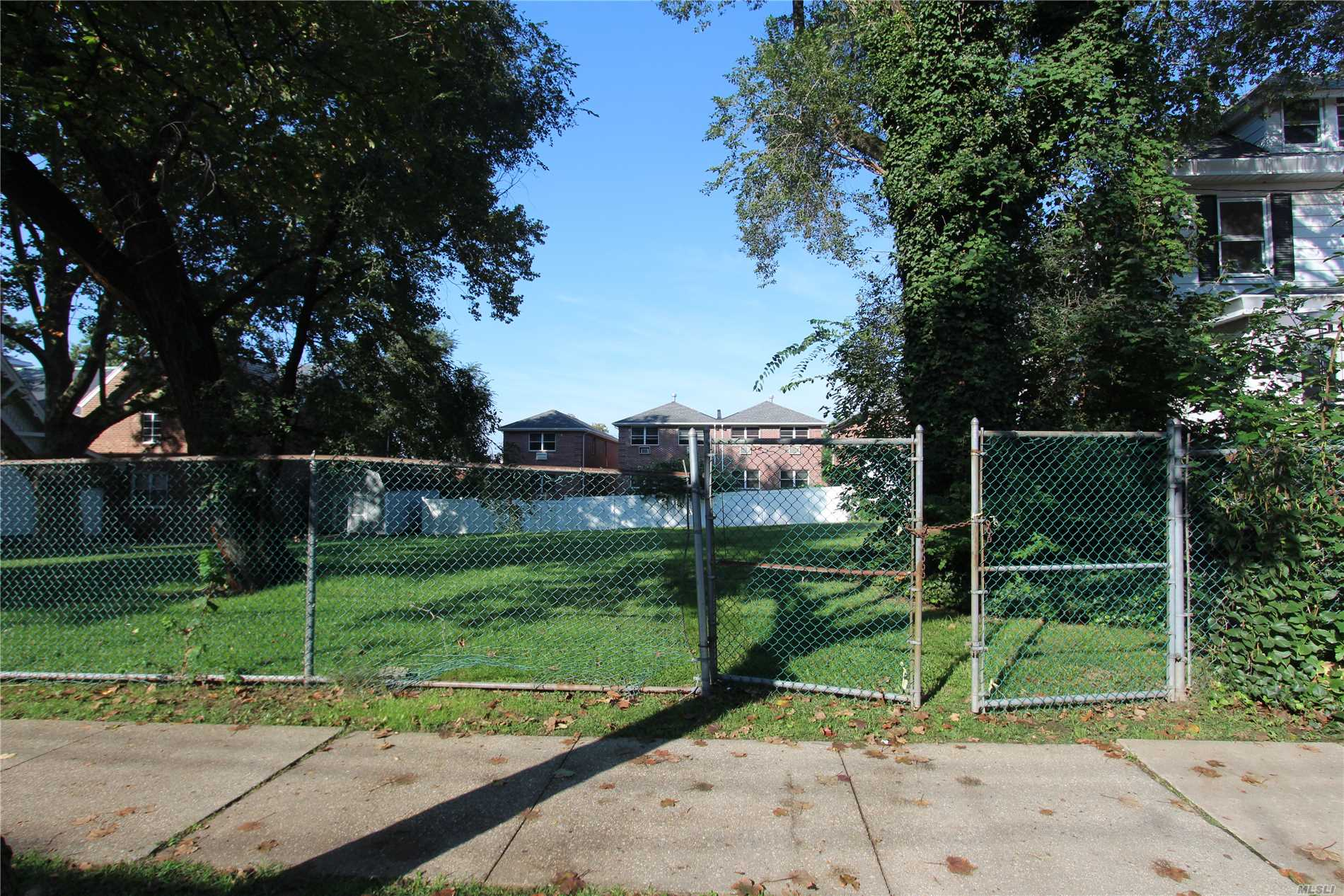 Vacant Lot Zoned R4-1.