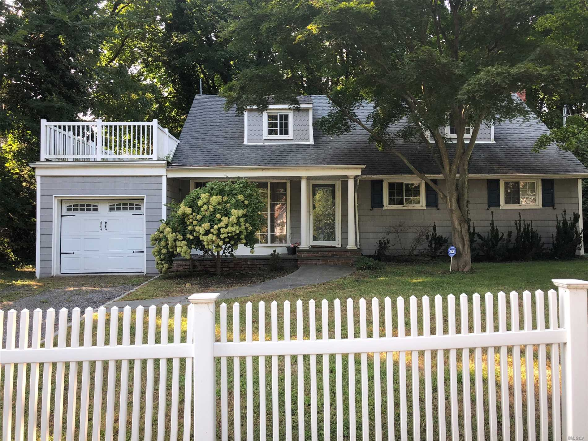 Beautifully Renovated Four Bedroom Two Full Baths. Hardwood Floors Throughout. Open Floor Plan Great For Entertaining. Crown Moldings. Walking Distance To Beach And Village Of Seacliff.