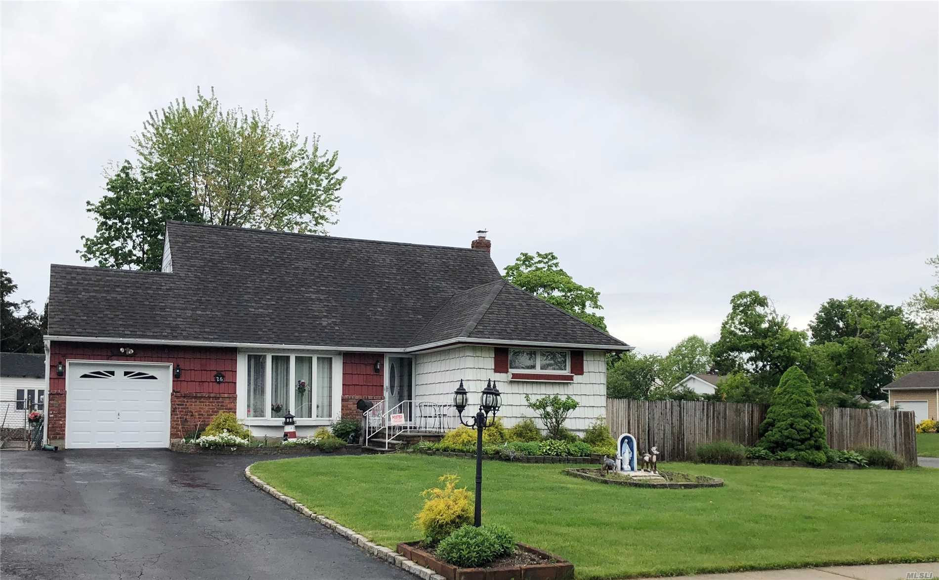 Fantastic Opportunity For Large Or Expanding Family In The Commack School District. Exp Ranch On Corner Property Of 144X100Ft Lined With Leland Cyress- Feat: Peach, Fig & Apple Trees. 5 Bedrooms, 2 Full Baths. Eat In Kitchen W/Sliders To Deck. Formal Dining Room, Living Room. Full Basement Partially Finished. Gas/Ha Heating & Cac. Newer Roof, Windows & Garage Door. Video Camera Surveillance System.