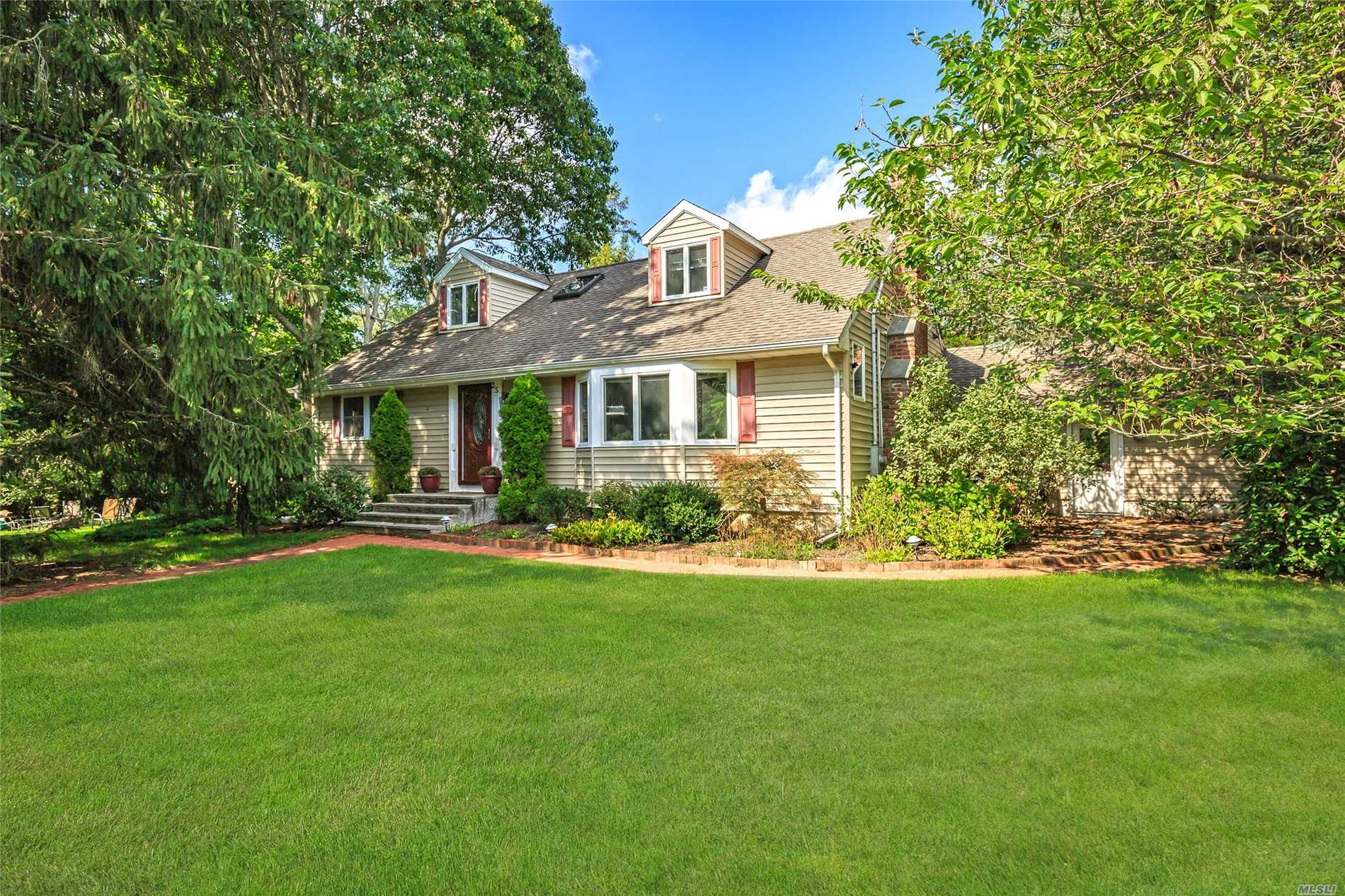 Cutchogue 4 Bedroom Cape With Newly Renovated Chefs Kitchen, 2 Spacious Living Areas, Dining Room And Bedroom On First Floor. This Home Also Boasts , Security System, Generator Hookup And Beach Rights To The Causeway Beach And Pequash Beach. Love To Boat? Moor Your Boat In East Creek With Direct Access To Peconic Bay. Perfect Home For Entertaining Year Round Or Summer Family Gatherings!