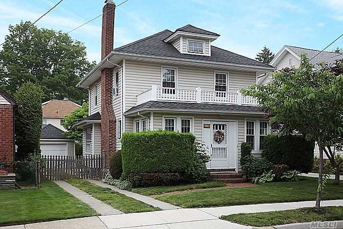 Whole House Rental (Flexible On Rental Length) Of A Lovely Colonial In Heart Of Floral Park Village: Easy Access To Shopping /Restaurants/ Lirr/Highways/Recreation Center. Home Features Enclosed Front Porch; Living Room With Fireplace; Formal Dining Room; Updated Kitchen W/ Breakfast Nook; Renovated Powder Room; 3 Bedrooms And Newly Renovated Full Bathroom; Hard Wood Floors Throughout; Full Basement. Sd#22.